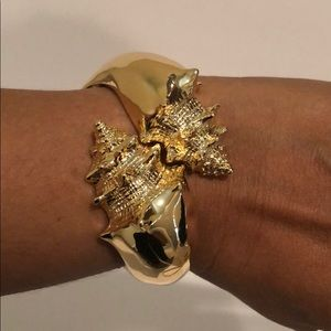 Lilly Pulitzer Faux Gold Seashell Bracelet